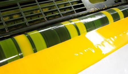 Der Offsetdruck ist an Flexibilität hinsichtlich des zu bedruckenden Papieres und der Möglichkeit individuelle Farben wie Pantone oder HKS zu drucken unerreicht
