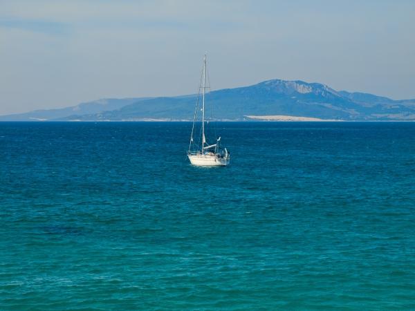 Einsames Segelboot.jpg